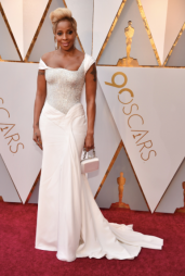 Mary J. Blige in Atelier Versace and with a Roger Vivier bag