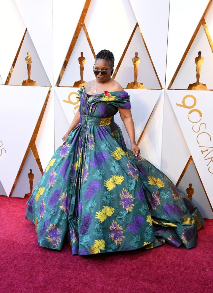 Whoopi-Goldberg-Oscars-Dress-2018