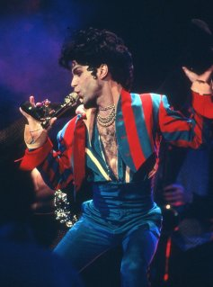 NEW YORK - MARCH 24: Musician Prince performs onstage at Radio City Music Hall on March 24, 1993 in New York, New York. (Photo of Prince Photo by Al Pereira/Michael Ochs Archives/Getty Images)