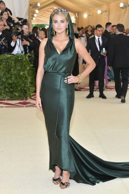 Kate Upton in Zac Posen