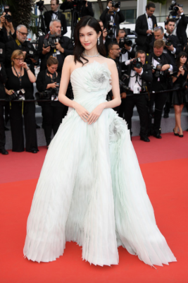 Sui He in Ralph and Russo