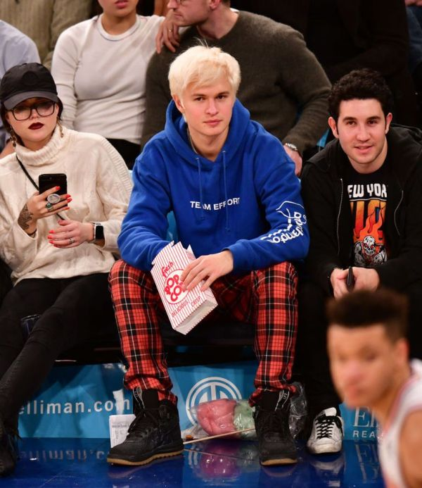 ansel-elgort-attends-the-phoenix-suns-v-new-york-knicks-news-photo-1074350990-1545152851
