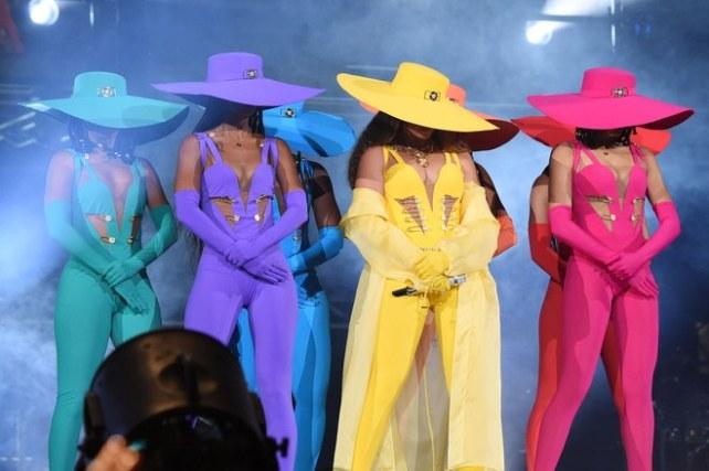 Beyonce-Global-7