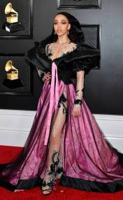 rs_634x1024-200126161220-634-2020-grammy-awards-red-carpet-fashion-fka-twigs