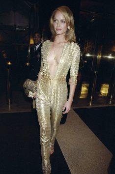 Amber Valetta in Versace, 1999