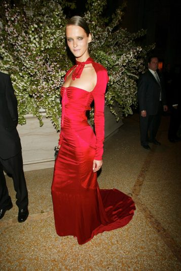 Carmen Kass in Gucci, 2003