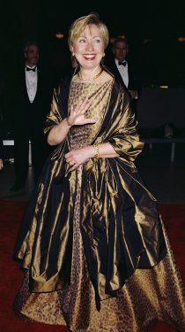 Hillary Clinton in Oscar de la Renta, 2000