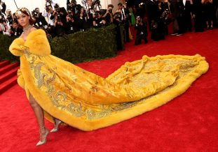 Rihanna in Guo Pei, 2015